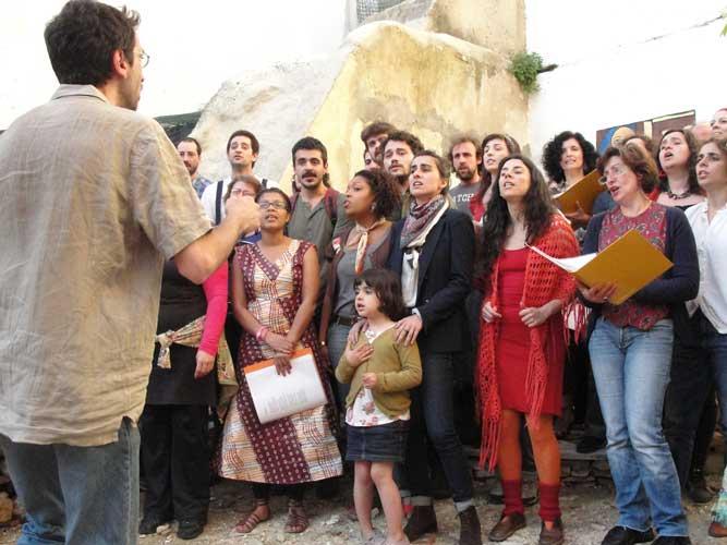 Coro da Achada na Rua da Achada - 25 Abril 2011